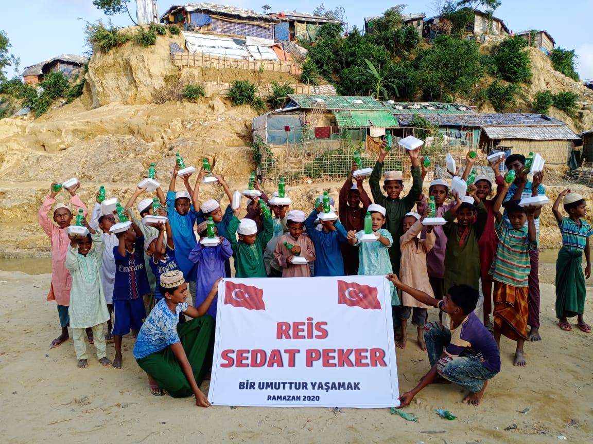 Sedat Peker'in, bu Ramazan ayında Arakan daki mazlumlara ve müslümanlara iftarlar verdiği orataya çıktı