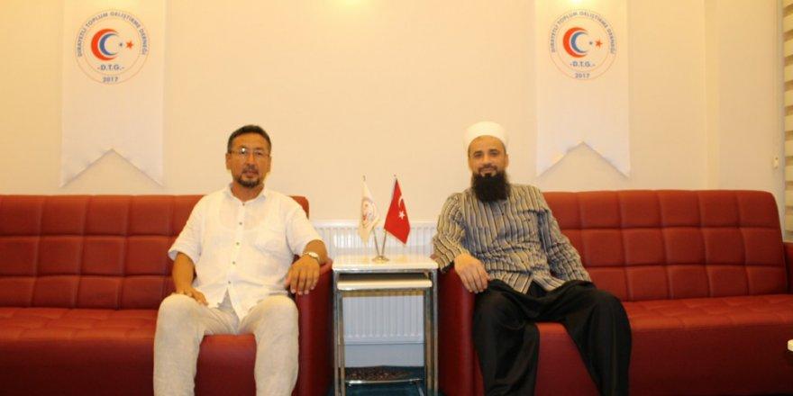 Doğu Türkistan Milli Meclis Başkanı Seyit Tümtürk'den DTG'ye anlamlı ziyaret