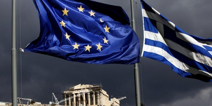 """Yunanistan AB'den """" Türkiye'yi felç edecek yaptırımlar"""" istedi."""