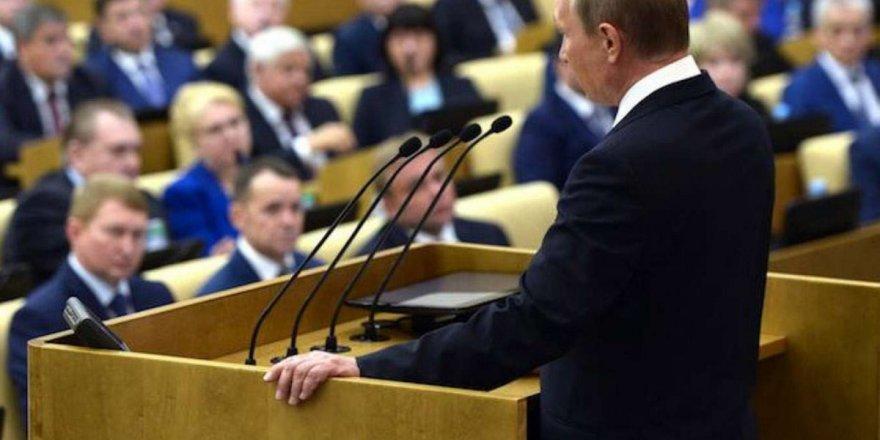 Rusya Devlet Başkanı Vladimir Putin, 3 bakanı görevden aldı.