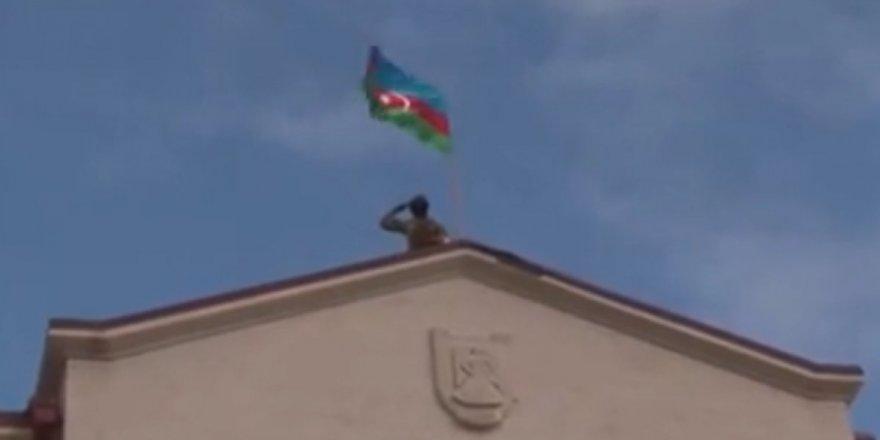 28 yıldır Ermeni işgali altında olan Şuşa'da Azerbaycan bayrağı dalgalandı