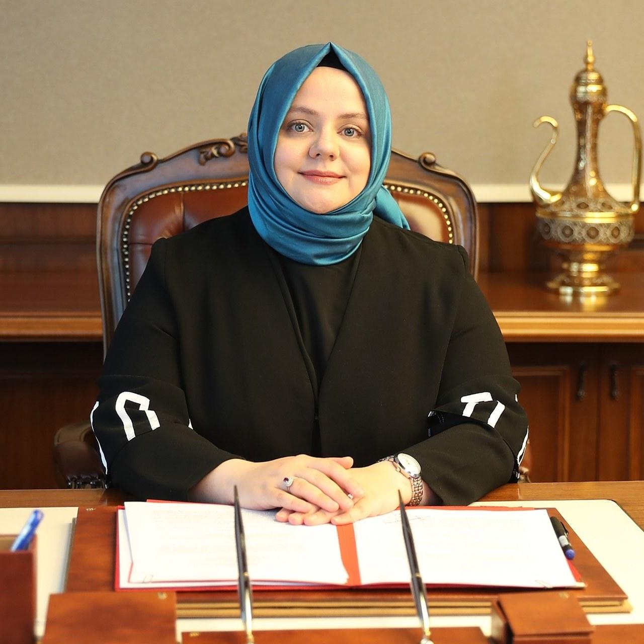Aile bakanı Zehra Zümrüt Selçuk'un testi pozitif çıktı