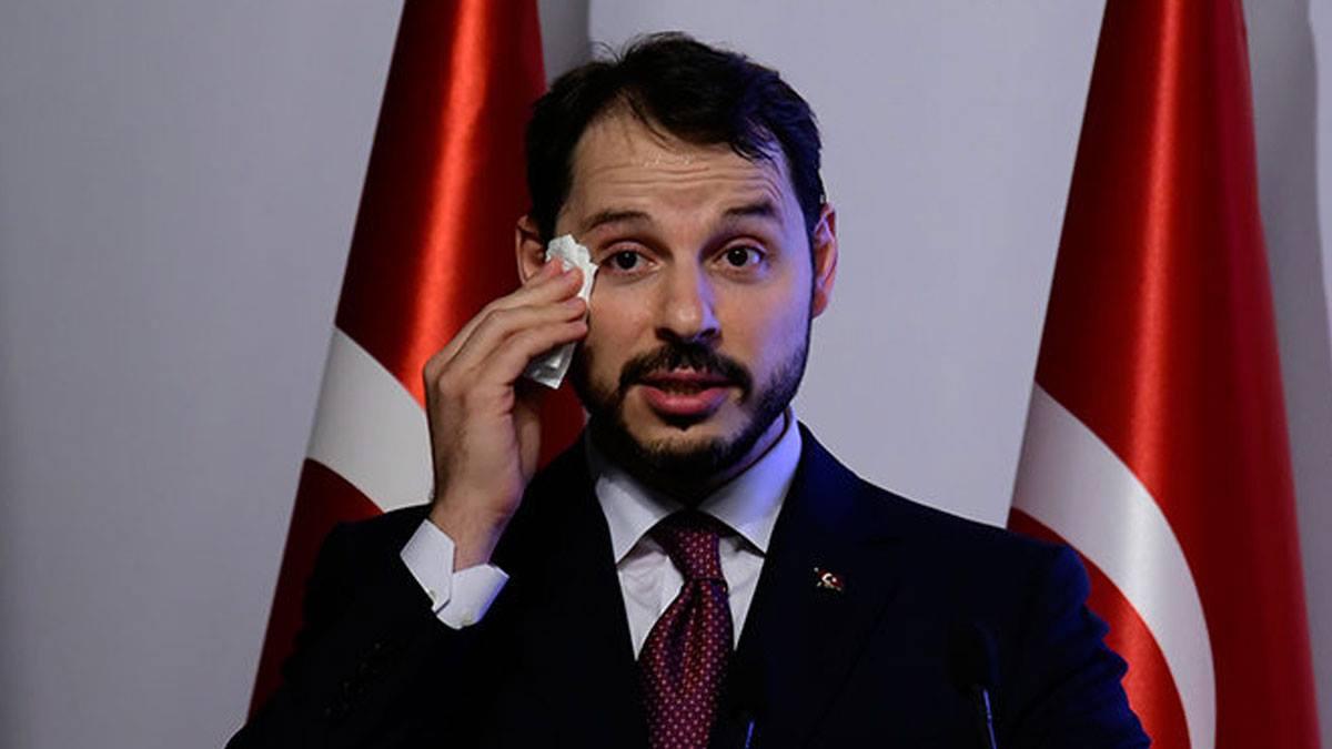Berat Albayrak varlık fonundaki görevinden'de istifa etti.