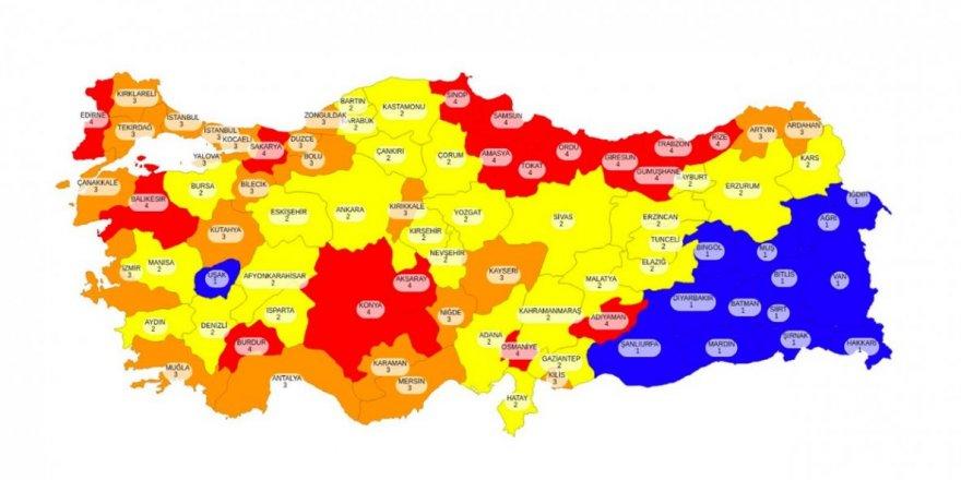 81 ilin yenilenen koronavirüs risk haritası