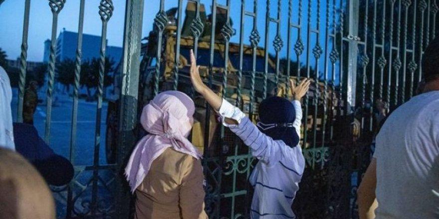 Tunus'taki darbenin arkasında Birleşik Arap Emirlikleri ve Fransa izi