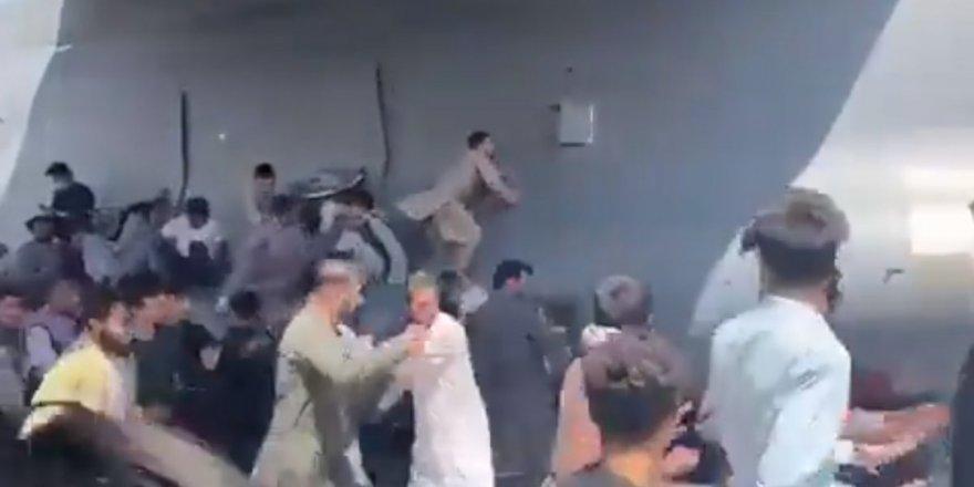 Kabil'de uçaktan üç Afgan düştü