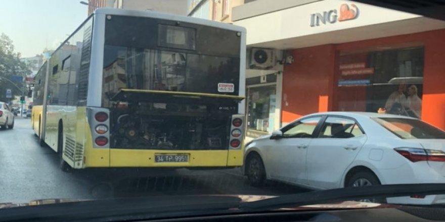 İstanbul'da arızılanan İETT Otobüsleri