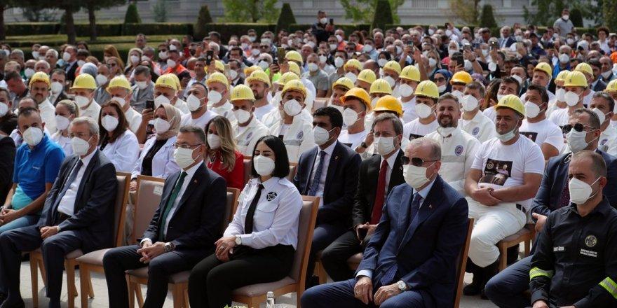 Erdoğan:Makro ekonomide dengeler tekrar yerine oturmaya başladı.