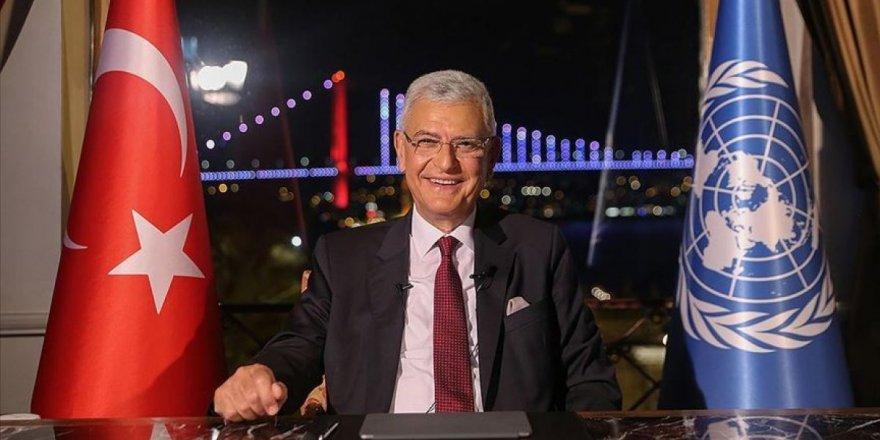 Cumhurbaşkanı Erdoğan Volkan Bozkır'ı tebrik etti.