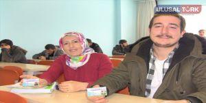 Anne ve oğlu aynı okulda öğrenci