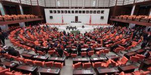 Mecliste ''hendek'' gerilimi yaşandı