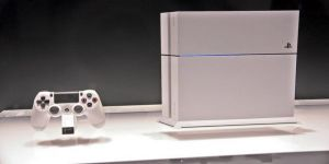 PlayStation'un yeni modeli: PlayStation 4 Slim Buzul Beyazı