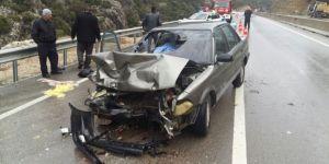 Antalya'da korkunç kaza :1 ölü, 5 yaralı