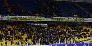 """Kadıköy'de  """"Ali Koç başkan, Fenerbahçe şampiyon"""" sesleri yükseldi"""