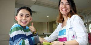 11 yaşındaki Berke azmi sayesinde artık koşabiliyor