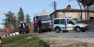 Çöp kamyonunda patlama: 2 yaralı