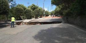 Çamlıca'da yol çöktü, 1 araç içine düştü!