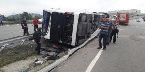 Kaptan uyuyakaldı, otobüs devrildi: Yaralılar var!