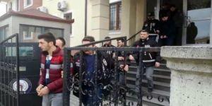 Sakarya'da sahte polisler yol kapatıp, araçları çevirdi