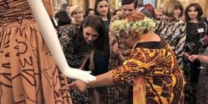 Cambridge Düşesi Middleton, Türk modacının tasarımını giydi