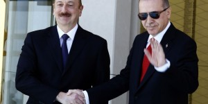 Erdoğan Aliyev'i Resmi Törenle Karşıladı