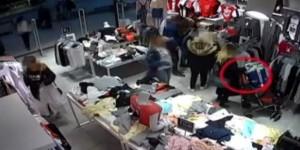 Alışveriş Merkezine Dadanan Hırsızlar Kamerada