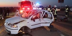 Otomobil Takla Attı: 2 Ölü, 5 Yaralı