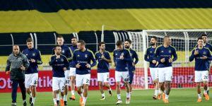 Beşiktaş saha çıkmadı.Derbiyi hükmen kazanan Fenerbahçe finalde