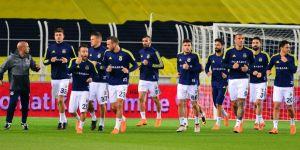 Fenerbahçeli futbolcular Statta Antrenman Yaptı
