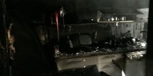 Kadıköy'de Bina Yangını: 2 Kişi Dumandan Etkilendi