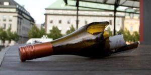 Venedik'te akşam 19:00'dan sonra alkol şişesi taşımaya ceza