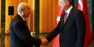 Başkan Recep Tayyip Erdoğan yerel seçimlerde MHP ile karşılıklı jestler ı