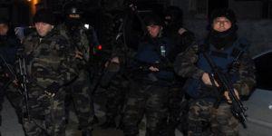 2 PYD/YPG'li terörist Şafak Operasyonu ile İstanbul'da yakalandı