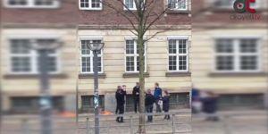 Danimarka'da Sıkı Yön lideri Rasmus Paludan Kuran-ı Kerim yaktı.