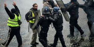 Sarı yeleklilere karşı Fransız polisine vurma yetkisi verildi !