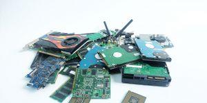 'Teknoloji üreticileri planlı eskitme yaparak tüketicileri tüketime zorluyor'