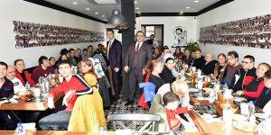 Engelli Koordinasyon Merkezi kursiyerlerini Beşiktaş'ta öğle yemeğinde bir araya geldi