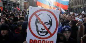 Protestocular sokağa indi; Putin İstifa!!!