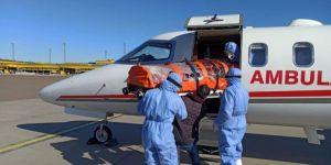 İsveç'teki Türk hasta ambulans uçakla Türkiye'ye getirildi.