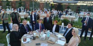 Davutoğlu, Babacan, Destici ve Akşener Erhan Usta'nın kızının düğününde buluştu