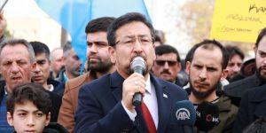 Uygur Türkleri Doğu Perinçek için harekete geçti.