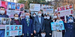 Gelecek Partisinden Çin Başkonsolosluğu önündeki Uygur Türklerine destek