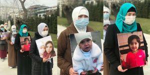 Uygur Türkü kadınlar İstanbul'dan Ankara'ya doğru yürüyorlar