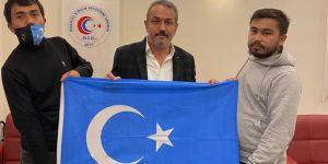 Doğu Türkistanlı Kamp Mağdurları Sebahattin Şirin ile biraraya geldi