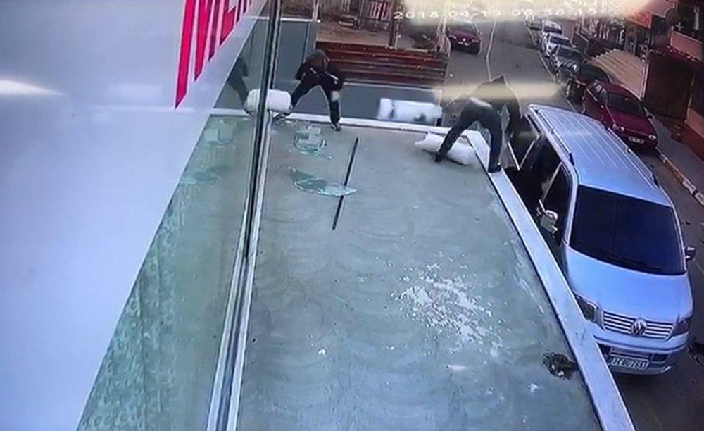 45 bin değerindeki tül hırsızlığı kamerada