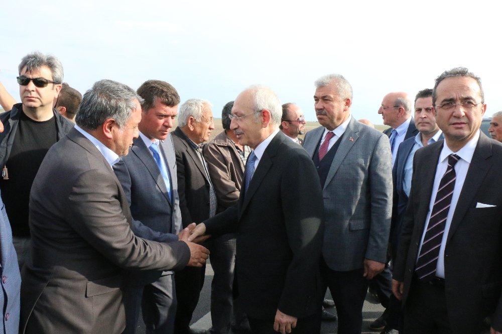 Kılıçdaroğlu, İlçe Başkanını Cezaevinde Ziyaret Etti