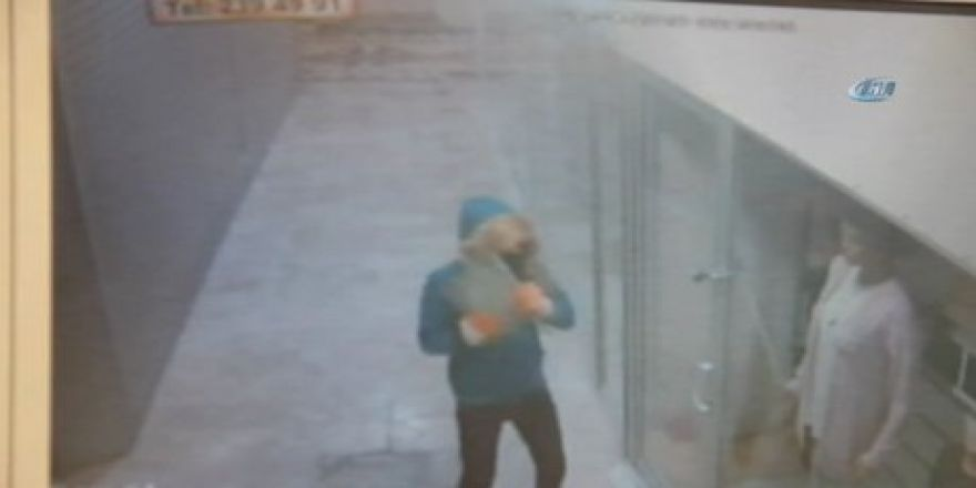 Manisa'da hırsız peruk takıp göbek ata ata dükkanı soydu