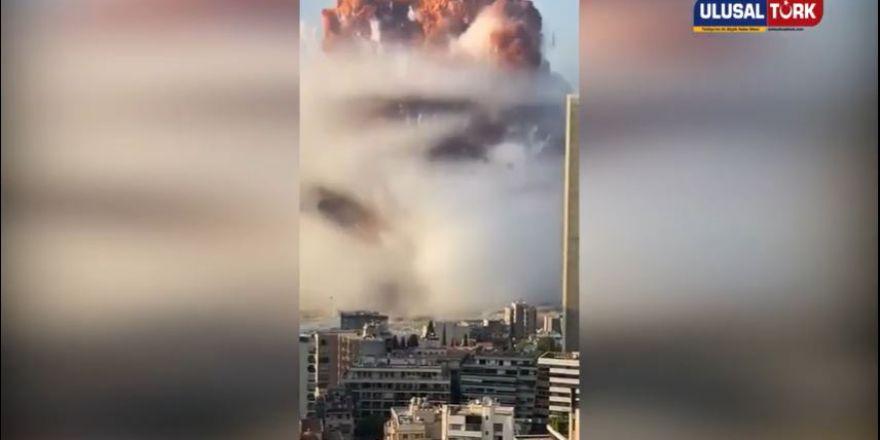 Lübnan Beyrut'ta böyle bir patlama gerçekleşti.